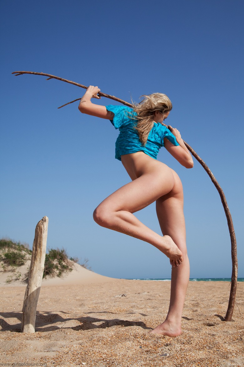 nudist beachgirl getting sexualised #8