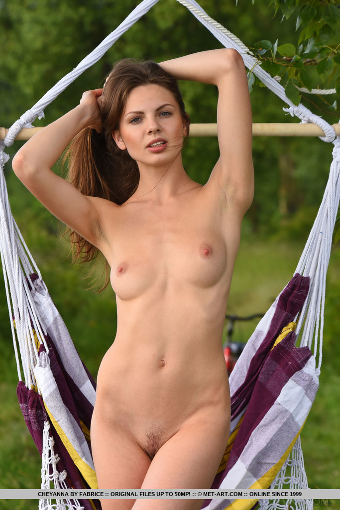 metart bunny cheyanna getting naked in the garden #10