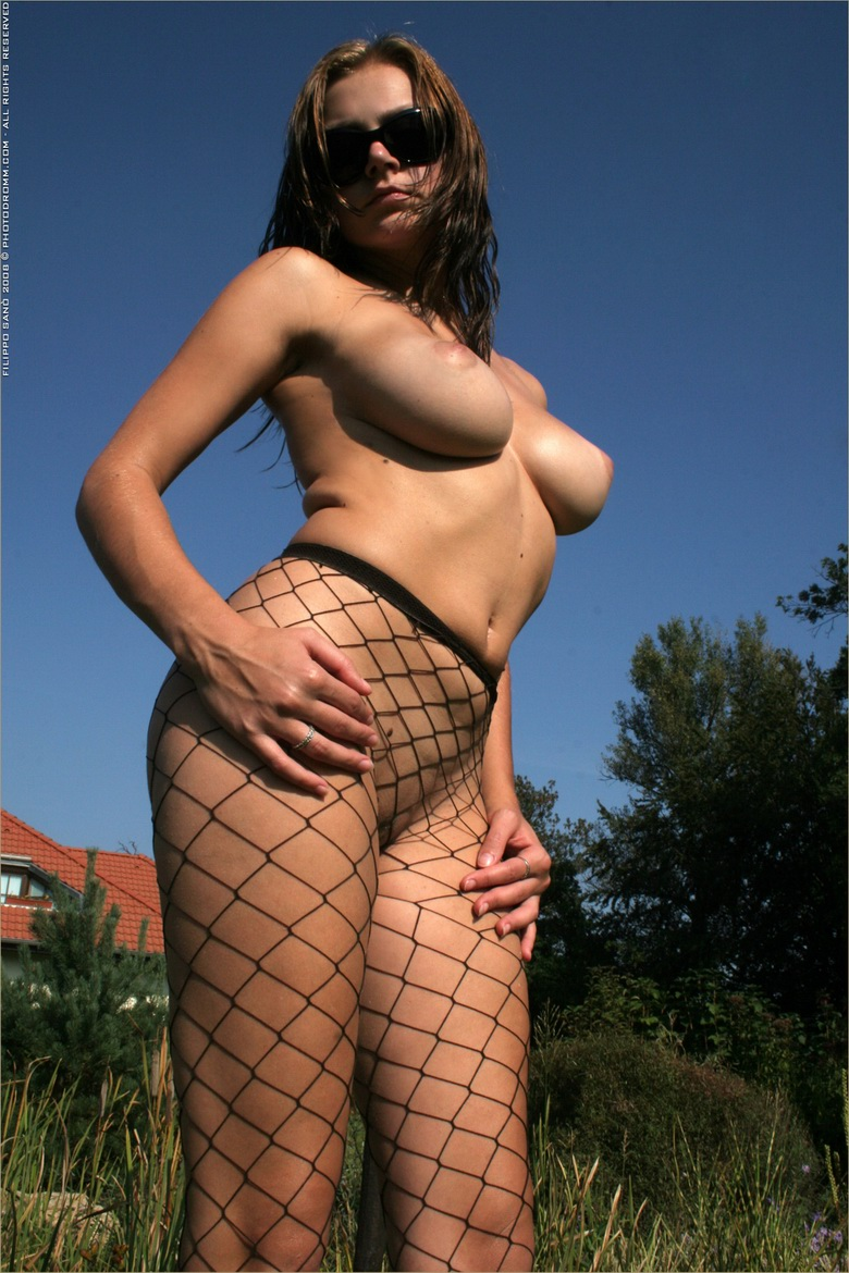 kinky eurogirl with delicious juggs #11