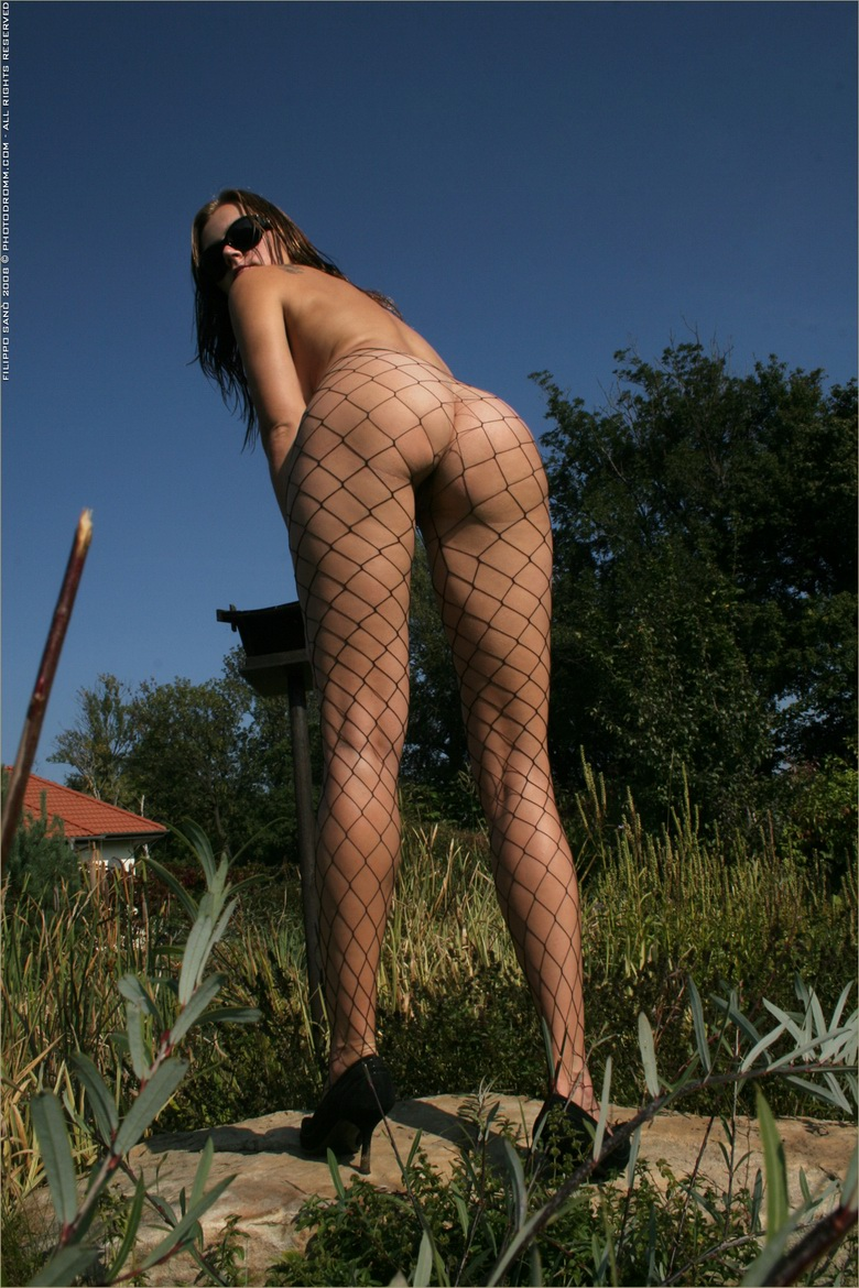 kinky eurogirl with delicious juggs #6