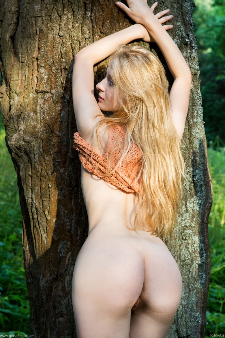 shy tall blonde beauty flashing tits and slit in the forrest #5