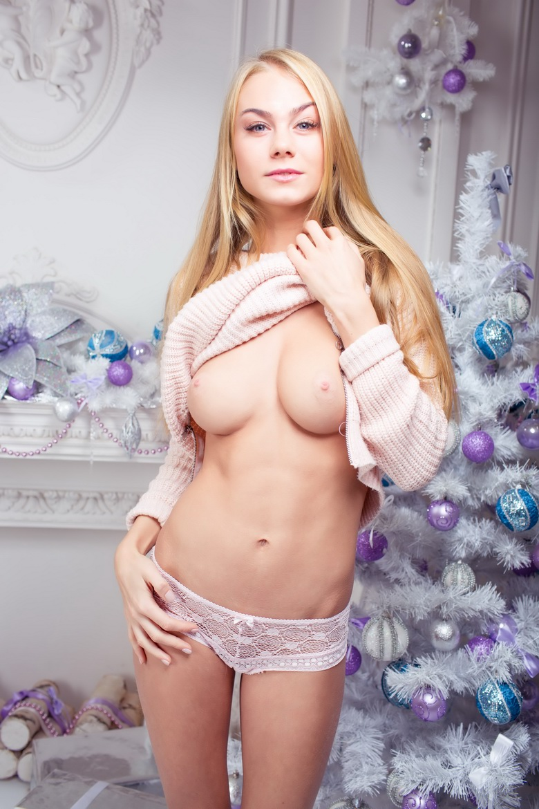 xmas nude gallery from yonitale #11