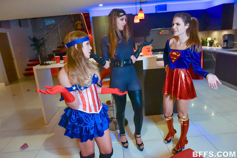 4 hot superheroines going down on me #8