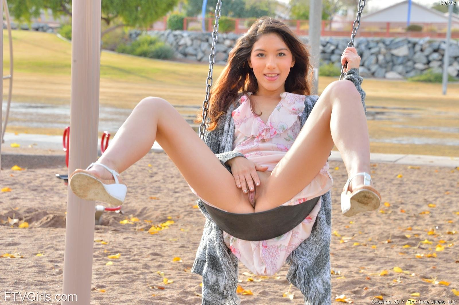 kellys perfect labia exposed upskirt and pantyless for ftvgirls #2