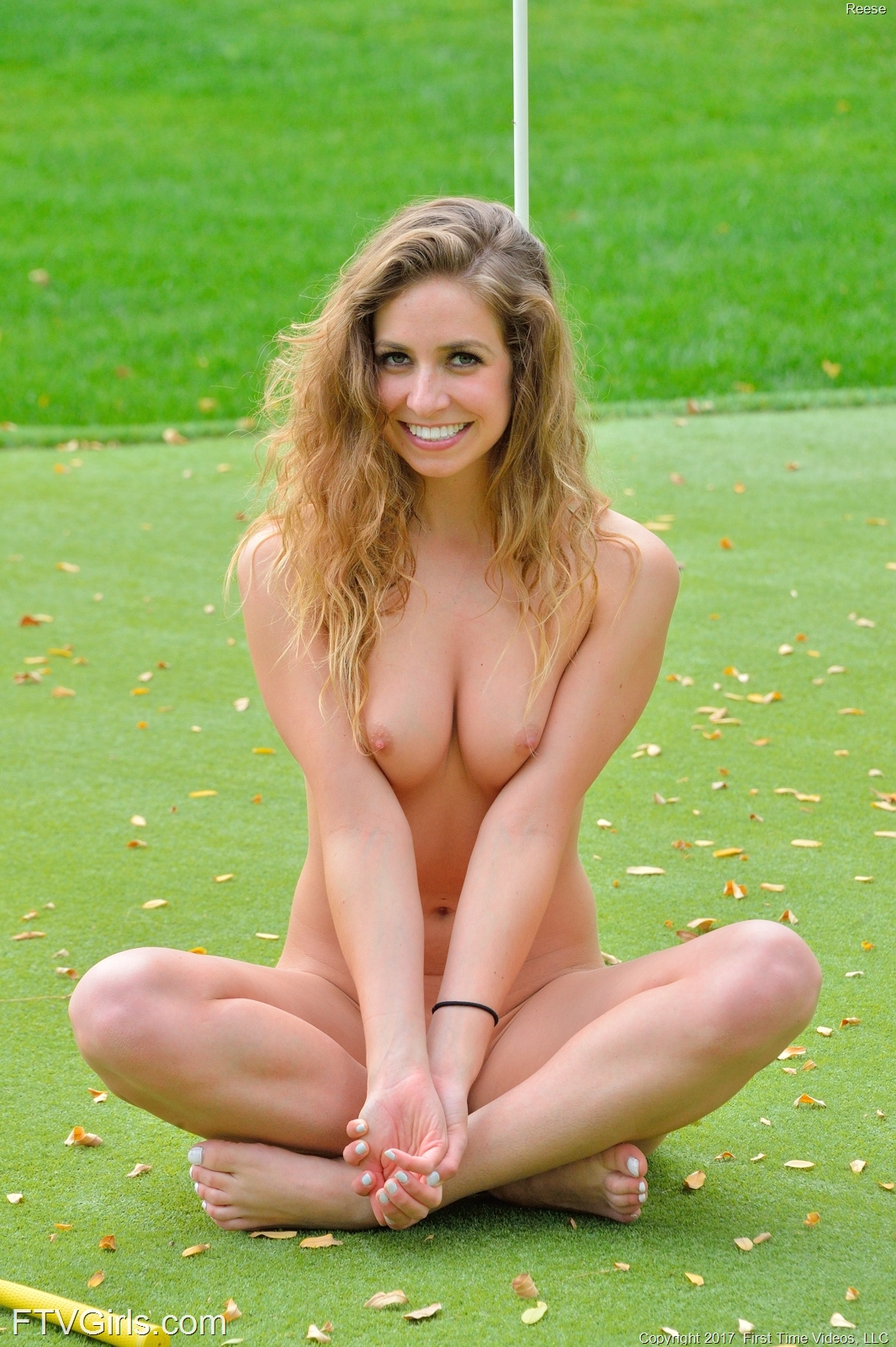 playing pantyless golf with par  3 #5