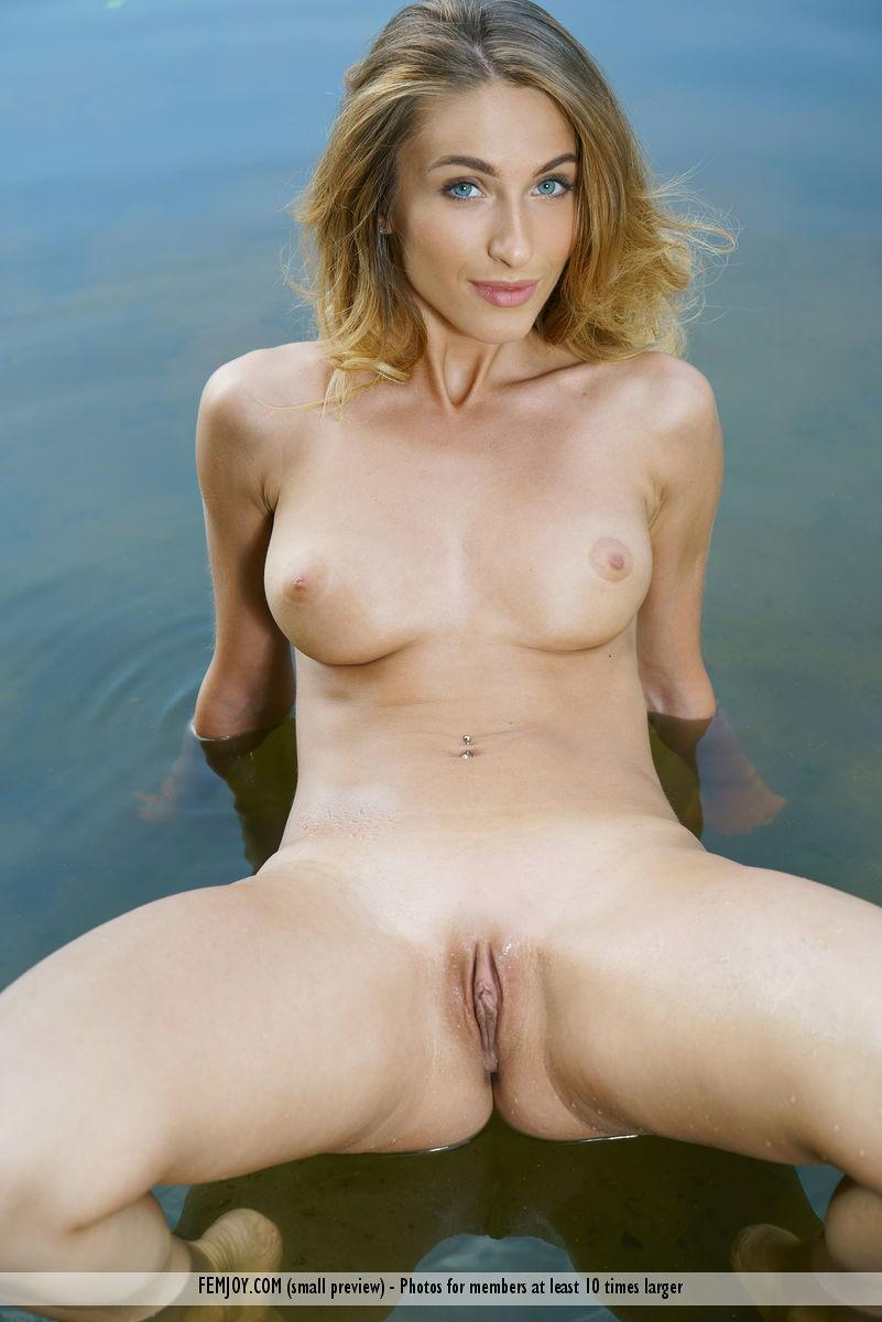 cute vixen sophia fully naked in the river from femjoy #6