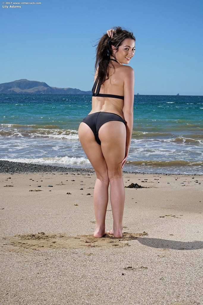 un unforgettable day at the beach with naked Lily Adams flashing her tighty crack #7