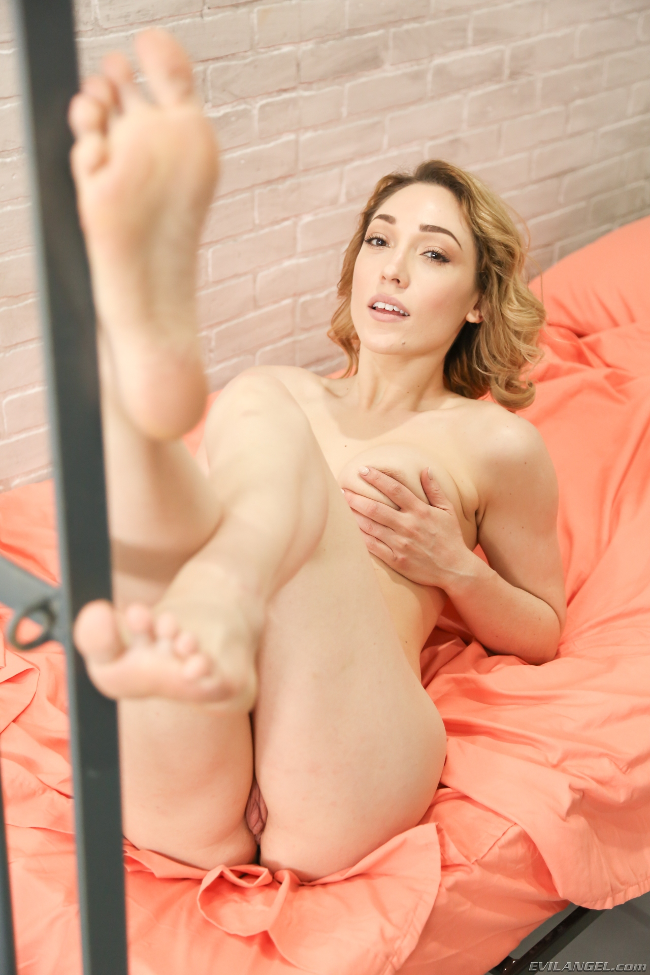desperate caged in young wife gives sexy feetmassage  #3