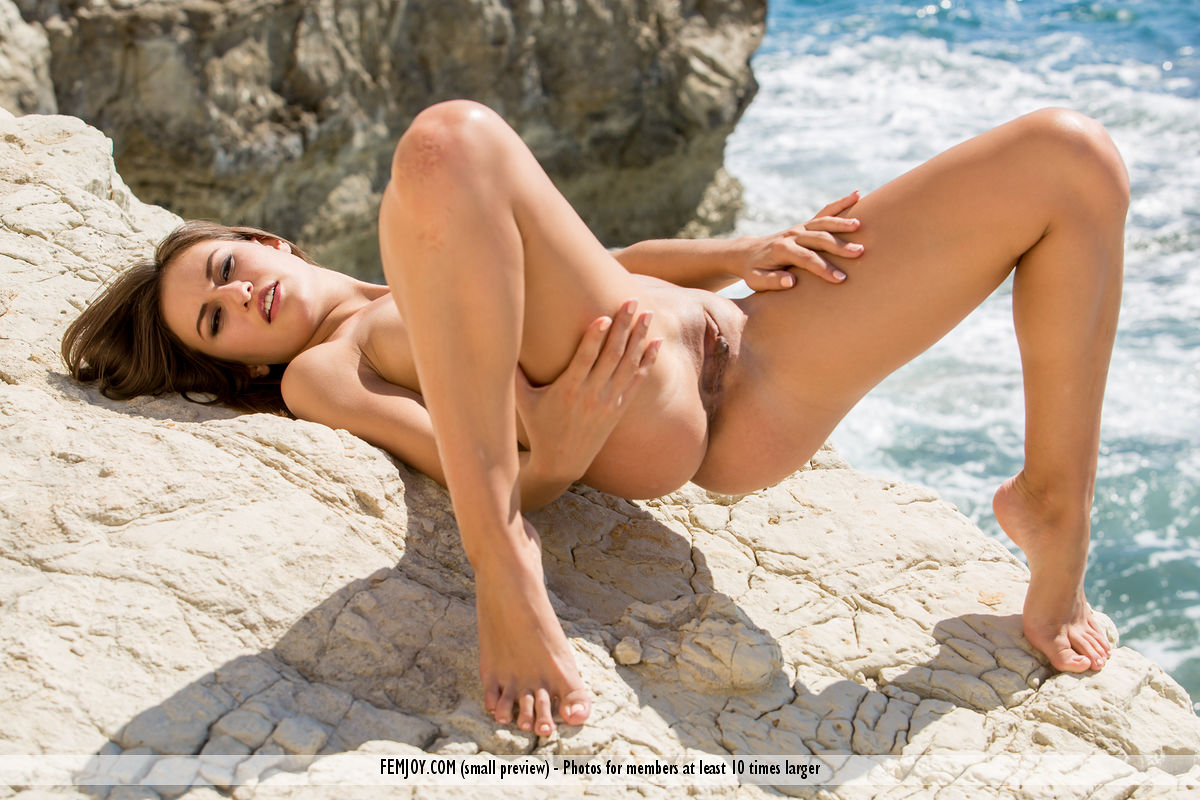 nudity beach pleasures with femjoy model edessa #1