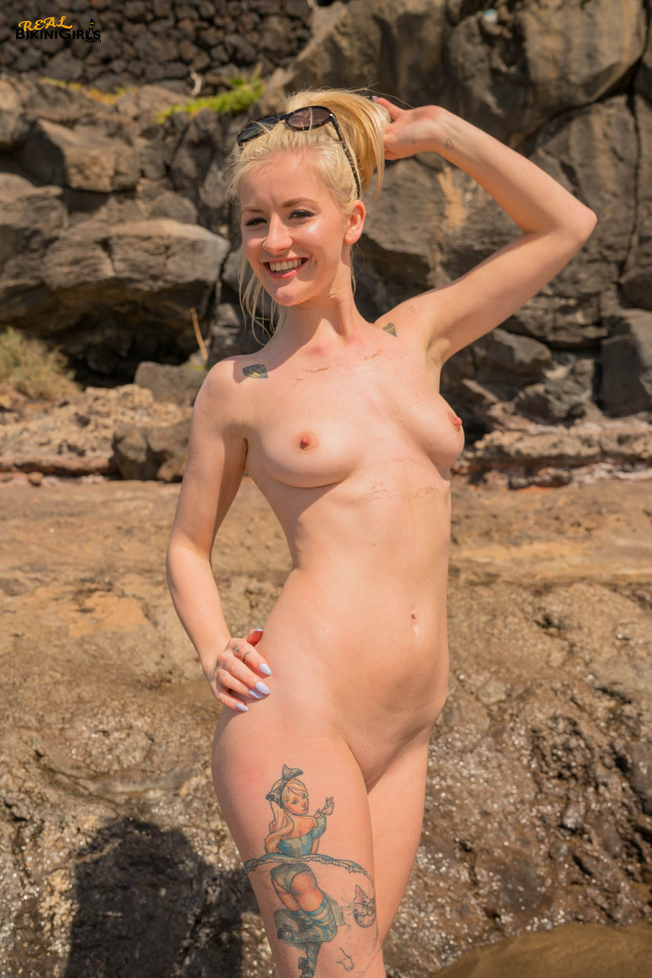 sexy short haired blonde with small tits having fun during beach vacation #5