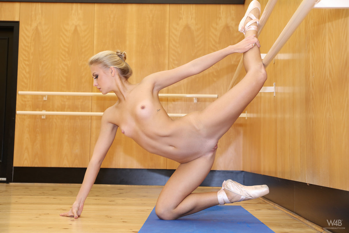 skinny ballerina doing some great moves while beeing fully naked #12