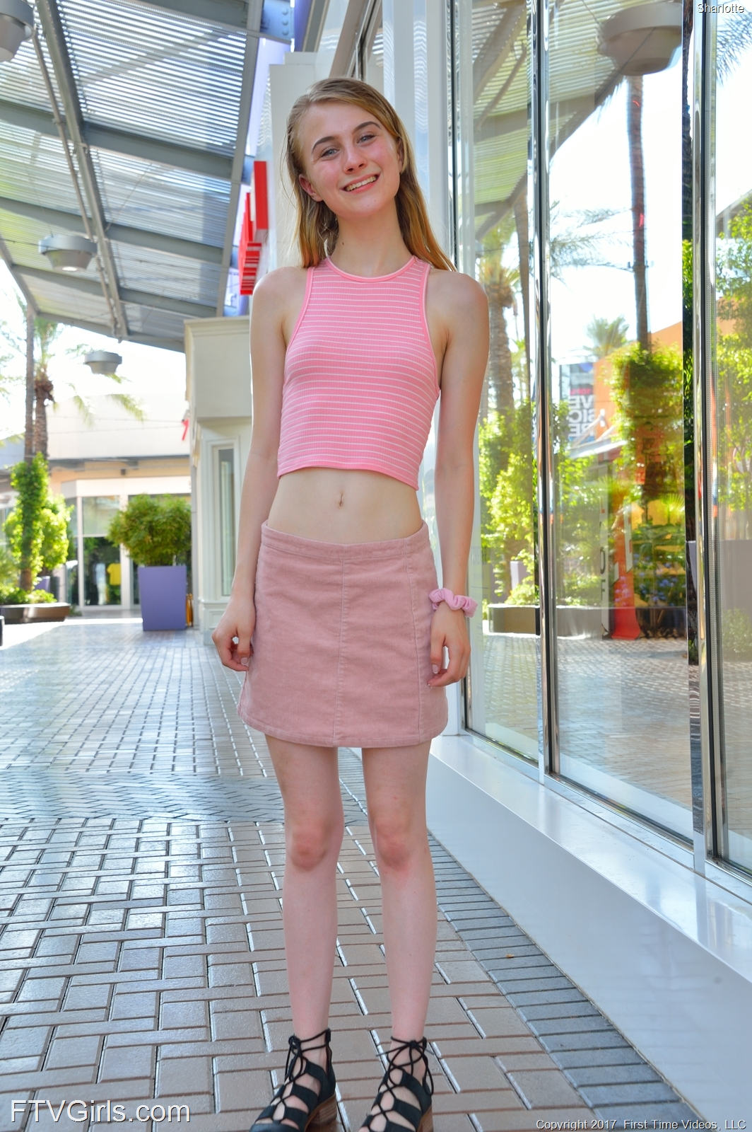 a frisky college girls flashing her pussy in the shoppingmall #3