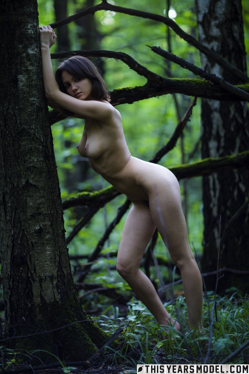 lost in the woods – thisyearsmodel lara #7