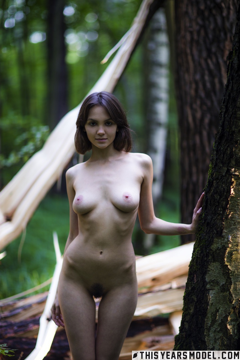 lost in the woods – thisyearsmodel lara #8