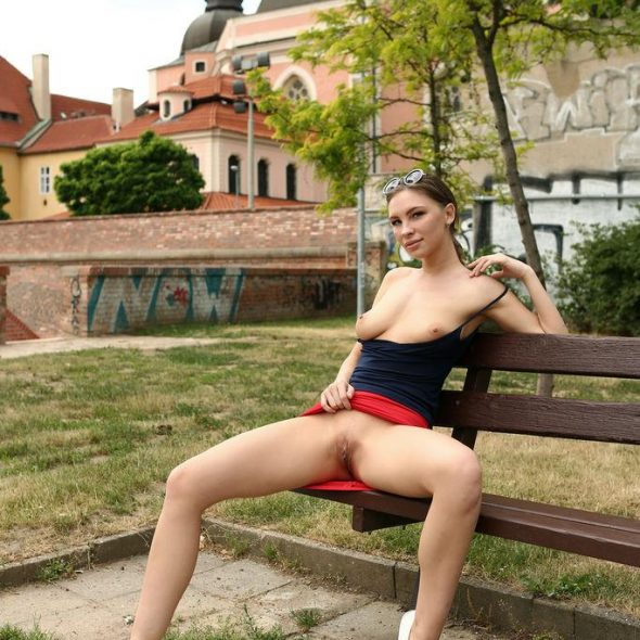Galina-A-in-On-The-Loose-EroticBeauty.com_dtjabodfunulqhovgaaorlsveiop_5.jpg