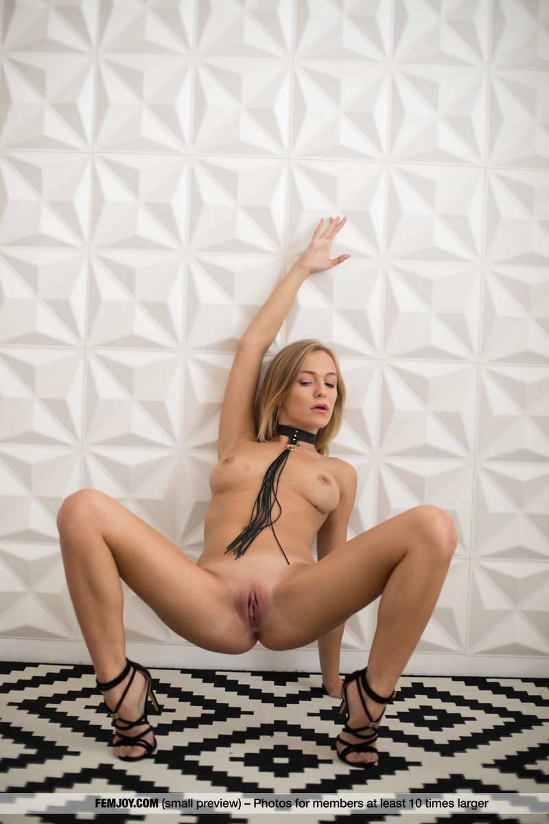 bad girl naked with a cravat #8
