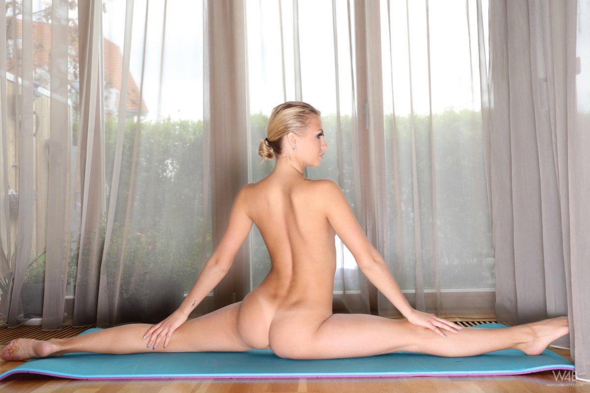 skillfull athletic cutie doing some stretches #3