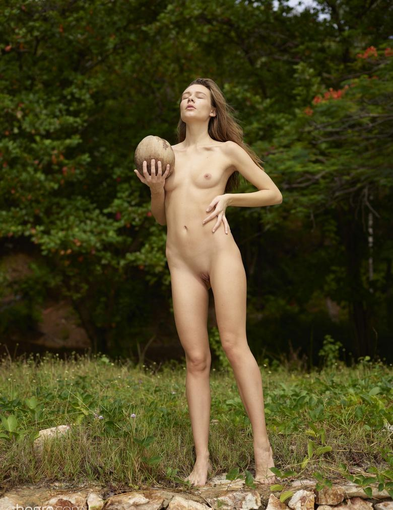 beautiful skinny model posing her brilliant meagre body fully naked #1