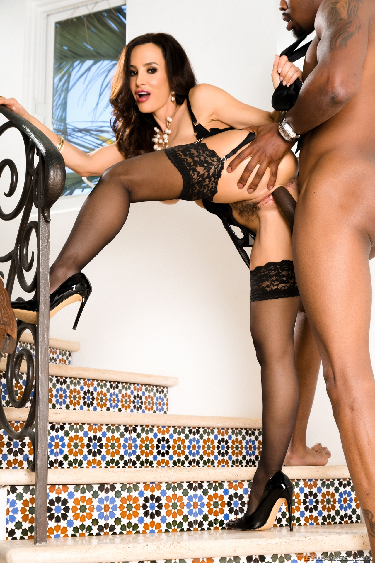 glamour milf lisa ann reappearance and comeback on evilangel black #10
