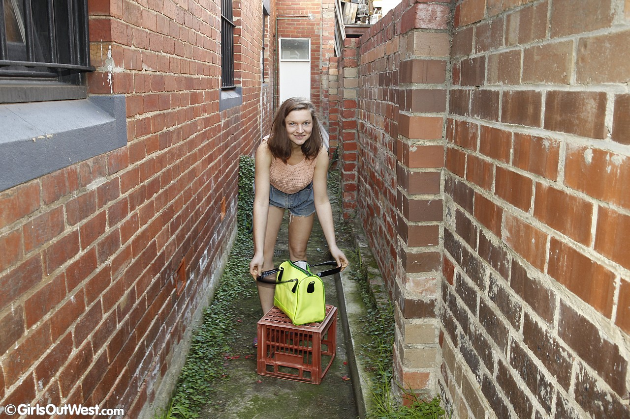 the big m and the big icycle – daugher in the backyard #1