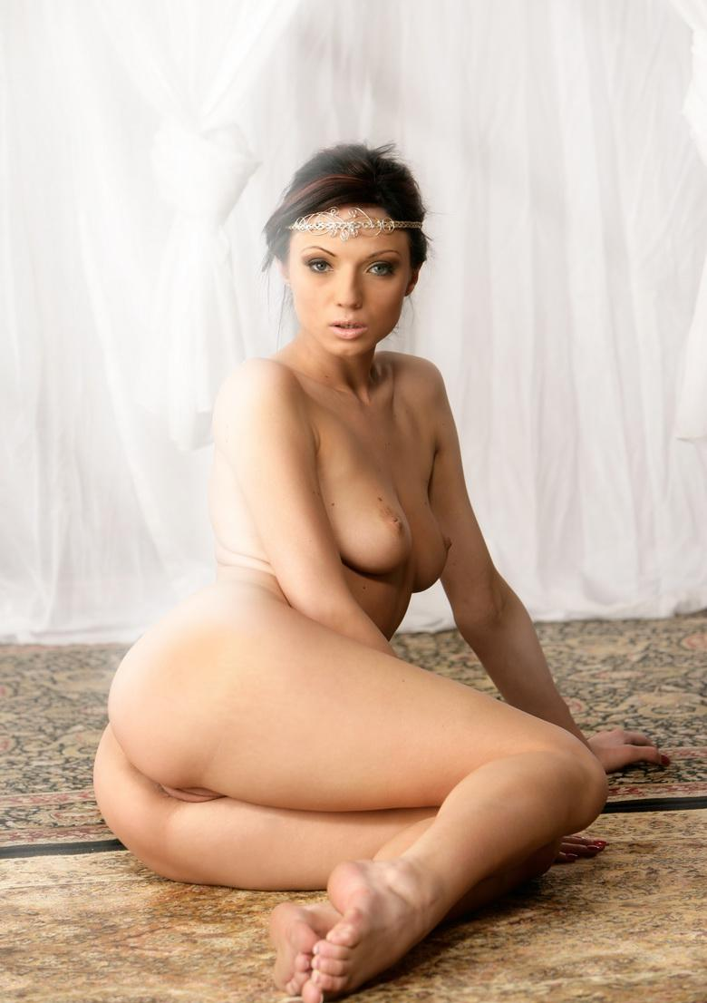 preety dark haired cutie takes of her wedding dress and flashes naked picture 6