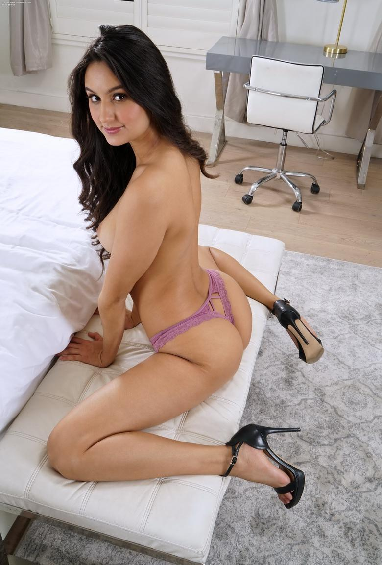 a big piece of crack from eliza ibarra picture 7
