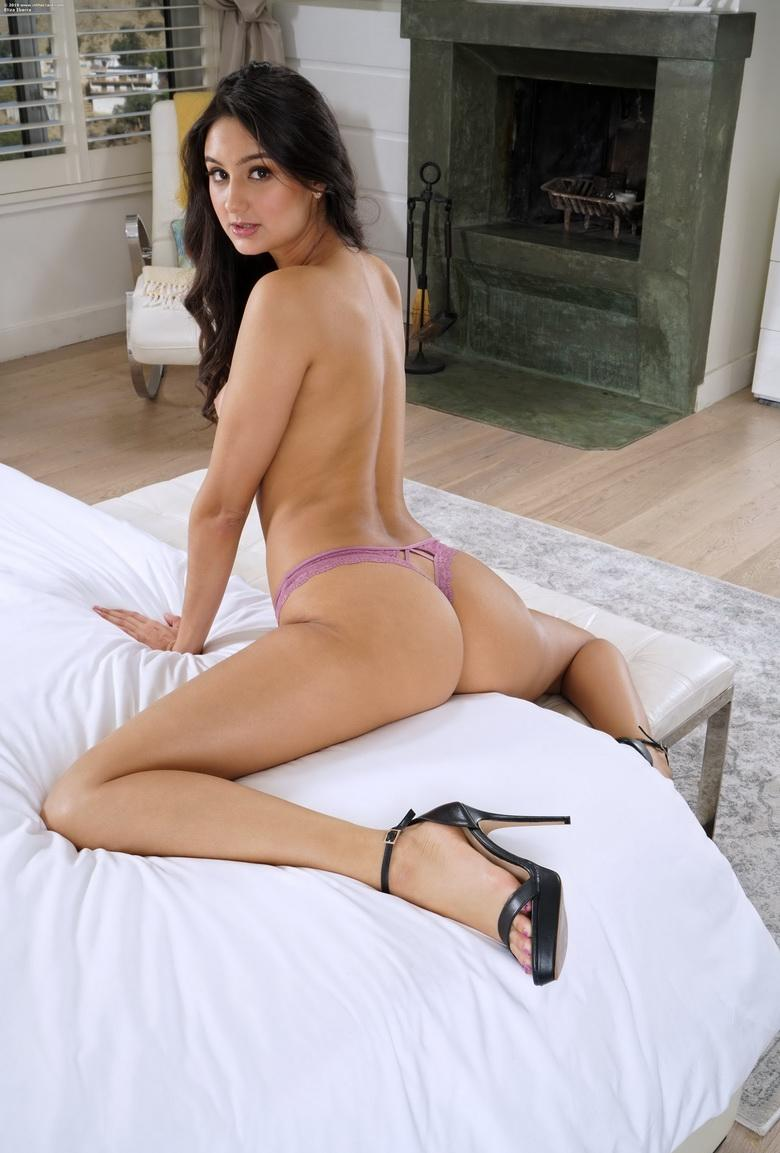a big piece of crack from eliza ibarra picture 8