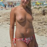 time to escape to the beach - merry xmas boobs flash picture 6