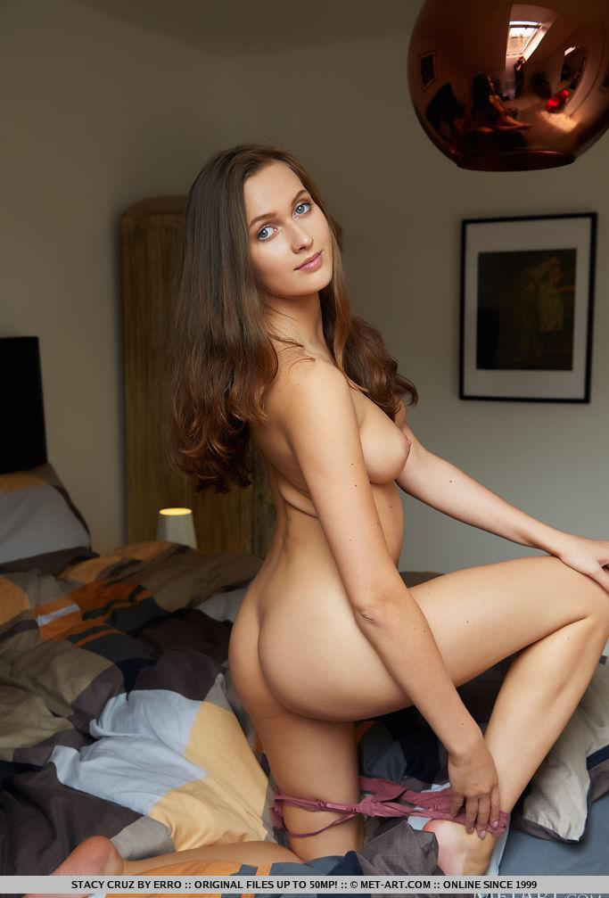 naked young woman squinting something picture 2
