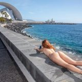 little nixen relaxing bare nacked at the luxury hotel pool picture 11