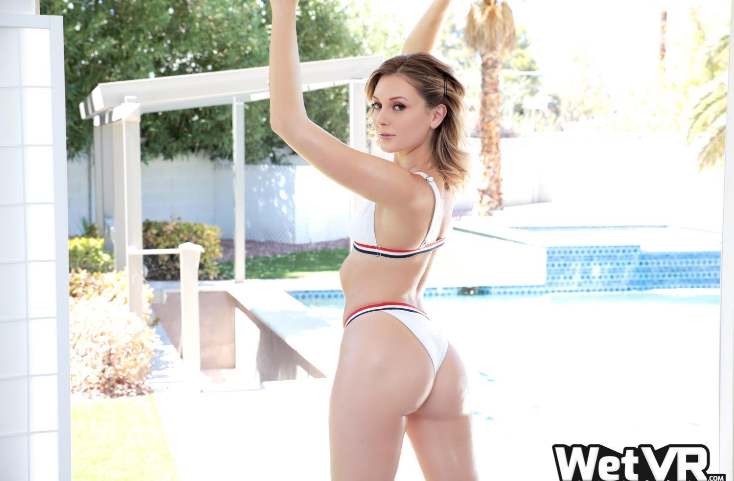 charlotte sins sex in the pool picture 2