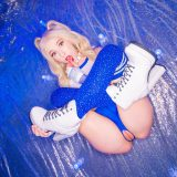 cosplay petite Kenzie Reeves invites a fan picture 3