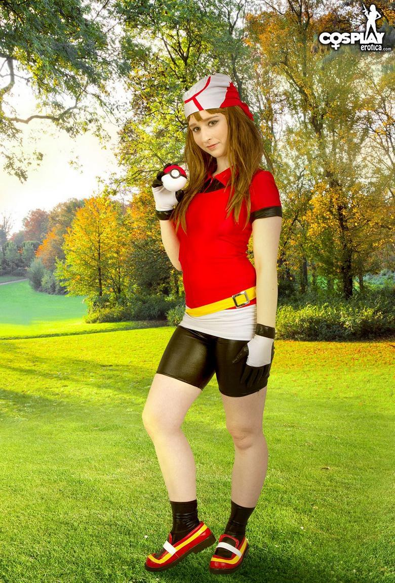 naked pokemon cosplay girl miette picture 2